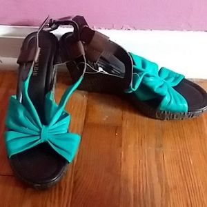 New St John's Bay Leather Open Toe Wedge Sandals